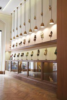 Es poco usual como están colocados los tacones.David Menéndez.Lucky Mag - City Guide: London