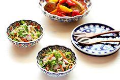 12cmボウルで豆苗と人参のサラダ/ポーリッシュポタリー