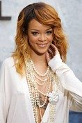 Rihanna with ropes and ropes of #pearls