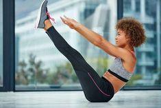 minuten workout bauch beine po 5 Flutter Kick Variations to Kick Up Your Abs Pilates Training, Pilates Workout, Six Pack Abs Workout, 6 Pack Abs, Training Fitness, Waist Workout, Weight Training, Ab Circuit, Workout Bauch