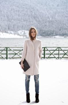 #fashionblogger #streetstyle #neonrock #coat #outfit #oversized