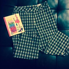 Ashworth plaid capris *lowest clearance* Size 6 plaid thinner cotton ashworth capris. Worn one time. Broke off inner button (pictured) price reflects so. No other issues. Ashworth Pants Capris