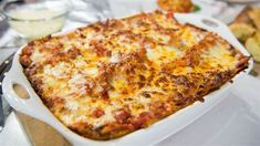 Al Roker's vegetarian lasagna, which is bubbling with gooey cheese, is a delicious way to sneak lots of vegetable servings into dinner. Al Roker's Vegetable Lasagna Vegetarian Lasagna Recipe, Best Lasagna Recipe, Lasagna Recipes, Vegetarian Meals, Meatless Recipes, Veggie Meals, Healthy Recipes, Simple Recipes, 21 Day Fix