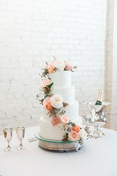 Loved this cake from Magic Muffins! | BridgeStreet Weddings | Florals: HotHouse Designs | Eric & Jamie Photography