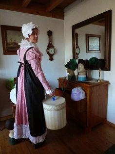 Kleidung um 1800: Wenn sich wirthliches häusliches Ansehen und Eleganz vereinen... (Black apron 1811)