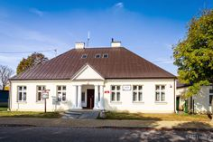 Stara Szkola, Ranczo Wilkowyje, Jeruzal, Poland