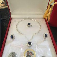 Magnificent Breathtaking Amazonka Mines Natural Paraiba | Etsy Columbian Emeralds, Royal Beauty, Tourmaline Necklace, Princesa Diana, Diamond Jewelry, Diamond Earrings, Teardrop Necklace, Lab Created Diamonds, Natural Crystals