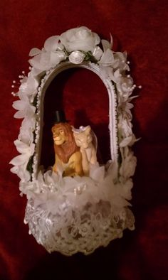 LION KING wedding cake topper. I think this is so awesome!!!