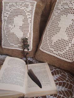 Купить Парные вязаные вставки - виньетки на подушку Былое и думы - вязаное панно, вязаная вставка