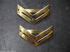 Insigne de gendarmerie, surplus militaire, chevron metal or