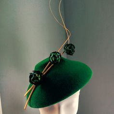 Peacock and Copper Hat- Mind Your Bonce Millinery by Karen Geraghty. Crisp styling and clean lines, love it. #judithm