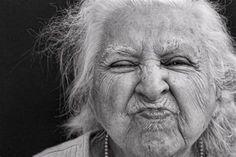 Diana's Photography Journey: Old Women (Black and White) Photo Portrait, Female Portrait, Portrait Photography, Woman Smile, Woman Face, Black And White Portraits, Black And White Photography, Old Faces, Black Balloons