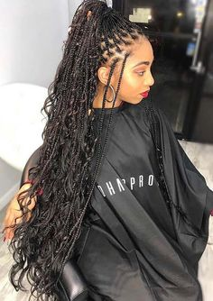 23 Trendy Ways to Wear Individual Braids This Season Long and Thin Braids with Curls Short Box Braids, Blonde Box Braids, Braids With Curls, Black Girl Braids, Braids For Black Women, Braids For Black Hair, Small Braids, Long Braids Styles, Box Braid Styles