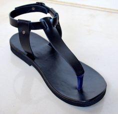 VENTA-sandalias de Damasco T, T Bar, sandalias de gladiador, sandalias de cuero para mujer, sandalias negras, sandalias planas de tamaño Euro39 US8 de MandalaLeathers en Etsy https://www.etsy.com/mx/listing/289837785/venta-sandalias-de-damasco-t-t-bar