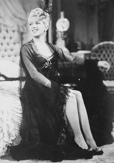 Lana Turner on the set of Honky Tonk Old Hollywood Actresses, Hollywood Icons, Golden Age Of Hollywood, Vintage Hollywood, Hollywood Glamour, Hollywood Stars, Classic Hollywood, Star Wars, Lana Turner