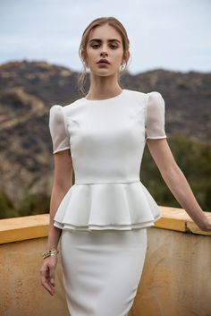 Tulip Two Piece Wedding Separates Bridget Satterlee, Fashion Sites, Fashion Models, Fashion Outfits, Iconic Dresses, Sexy Dresses, Model Poses Photography, Aesthetic Women, Model Look