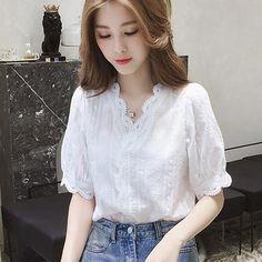 Bamela V-Neck Lace blouse White Short Sleeve Blouse, Crop Blouse, Chemises Sexy, Oversized Plaid Shirts, Sexy Shirts, Blouse Online, Mi Long, Blouse Styles, Lace Sleeves