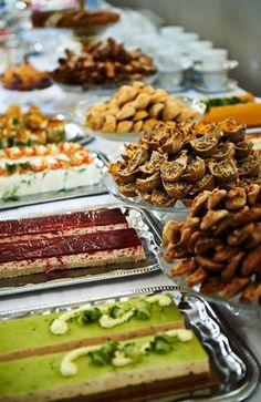 Linnan juhlissa on tarjolla sen seitsemää sorttia. Finland, Almond, Country, Food, Rural Area, Essen, Almond Joy, Meals, Country Music
