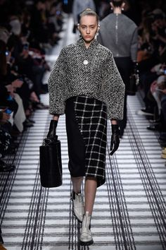 Balenciaga Automne/Hiver 2015, Womenswear - Défilés (#21264)