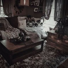 I feel like I need my own gothic house. Dark Home Decor, Goth Home Decor, Halloween Home Decor, Cheap Home Decor, Gypsy Decor, Gothic Living Rooms, Gothic Room, Gothic House, Gothic Art