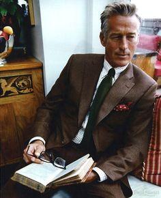 El hombre del traje marrón; un señor atemporal