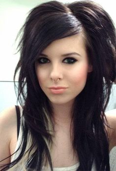 Short Scene Hairstyles | Emo Scene Hairstyle: Emo Girls Haircuts with Side Swept Bangs