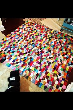 2 tumblers for the leader and ender challenge. Lianna LOVES this! Postage Stamp Quilt, Postage Stamps, Bonnie Hunter, Tumblers, Challenges, Quilts, How To Make, Home Decor, Mugs