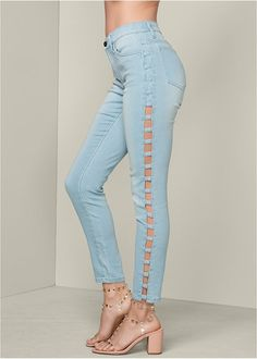 VENUS has women's jeans in a variety of washes and colors. Shop today to find jeggings, bootcut, reversible denim, skinny jeans & more in the colors you are looking for. Denim Fashion, Fashion Outfits, Transparent Heels, Estilo Jeans, How To Make Clothes, Viera, High Waist Jeans, Latest Trends, Skinny Jeans