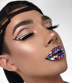 <img> This is the coolest thing eva.why is he so good at doing makeup. Sexy Makeup, Crazy Makeup, Cute Makeup, Beauty Makeup, Good Makeup, Makeup Goals, Makeup Inspo, Makeup Trends, Makeup Art