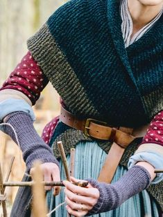 Beware of Muddle — Outlander Historical Costume, Historical Clothing, Outlander Knitting Patterns, Outlander Season 4, 18th Century Clothing, Period Costumes, Mode Inspiration, Costume Design, Beautiful Outfits