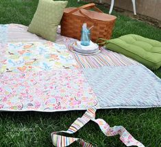 �picnic blanket with vinyl backing- recycling and saving money by having a nice spot to eat lunch!