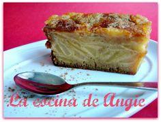 Otra tarta de manzana riquísima que me enseñó Beatriz ( Sin salir de mi cocina ), que hace auténticas delicias, tanto dulces como salad...
