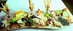 Zum krönenden Abschluss: eine zünftige Käse-Platte Dairy, Cheese, Food, Financial Statement, Meal, Essen, Hoods, Meals, Eten