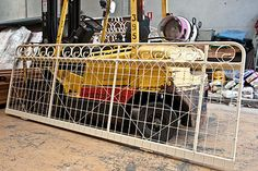 Sliding woven wire gate