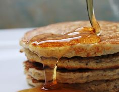 Vanilla Bean Protein Pancakes by jennfit.ca #Pancakes #anilla #Protein #Healthy