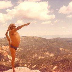 1989: BKS Iyengar in the Hampi ruins in India ..... #bksiyengar #yoga #yogaguru #iyengaryoga #yogafounder