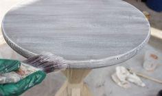 Vieillir ou patiner un meuble en bois - les techniques de DIY déco à connaître