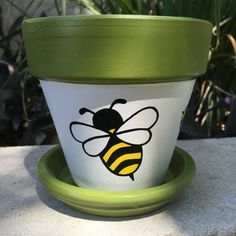 Bumble Bee Hand Painted Flower Pot by FlourishAndPots on Etsy - Cactus DIY Flower Pot Art, Flower Pot Design, Clay Flower Pots, Flower Pot Crafts, Cactus Flower, Flower Pot People, Clay Pot People, Painted Plant Pots, Painted Flower Pots