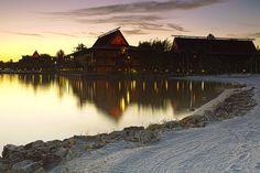 Sunrise at Polynesian resort - Disney