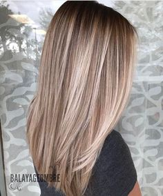 Golden Blonde Balayage for Straight Hair - Honey Blonde Hair Inspiration - The Trending Hairstyle Balayage Straight Hair, Hair Color Balayage, Blonde Balayage, Hair Highlights, Subtle Blonde Highlights, Bayalage, Blonde Ombre, Hair Colour, Blonde Hair Looks