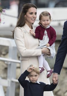 Kate Middleton Photos Photos - Prince William, Duke of Cambridge, Prince George of Cambridge, Catherine, Duchess of Cambridge and Princess Charlotte leave from Victoria Harbour to board a sea-plane on the final day of their Royal Tour of Canada on October 1, 2016 in Victoria, Canada. The Royal couple along with their Children Prince George of Cambridge and Princess Charlotte are visiting Canada as part of an eight day visit to the country taking in areas such as Bella Bella, Whitehorse and…