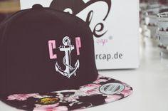 Deutschlands Hatstore Nummer1...wir besticken Caps ab dem ersten Teil!!! Hochwertig und individuell bestickte Kappen,gibt es nur bei styleyourcap.de Snapback Cap, Hats, Style, Fashion, Hat, Stylus, La Mode, Snapback Hats, Fashion Illustrations