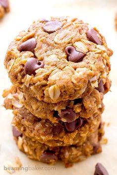 Peanut Butter Chocolate Chip Oatmeal Cookies http://www.changeinseconds.com/peanut-butter-chocolate-chip-oatmeal-cookies/ #glutenfree #vegan