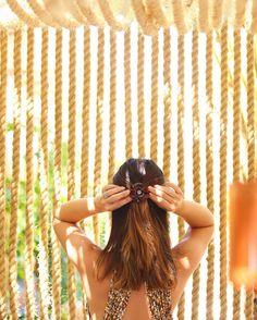 Detalhes que fazem a diferença  Quem me conhece sabe que tenho loucura por acessórios de cabelo os da #AlexandreDeParis sempre foram meus queridinhos  Deixam até um simples preso charmoso! Amo e sou fã! @alexandredeparisbrasil #camelias #hairdo #dehoje