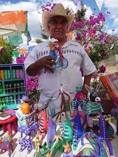 Vendedor de Alebrijes. Estado de México.