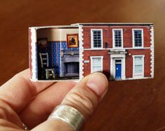 Matchbox House: Miniature Room inside a Matchbox / Tändtickshus Miniatyr