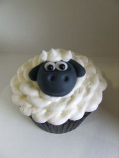 How to make a sheep cupcake