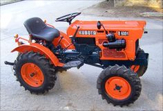B6001 Yard Tractors, Lawn Mower Tractor, Small Tractors, Tractor Farming, Cool Go Karts, Garden Tractor Attachments, Utility Tractor, Kubota Tractors, Tractor Pulling