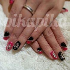 black and red swarovski gel nail  #nails #nail #fashion #style #TagsForLikes #cute #beauty #beautiful#instagood #pretty #girl #girls #stylish #sparkles #styles #gliter #nailart #art #opi#photooftheday #essie #unhas #preto #branco #rosa #love #shiny #polish#nailpolish #pikapika_nails