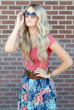 wavy curls tutorial...I love her hair, clothes, and accessories